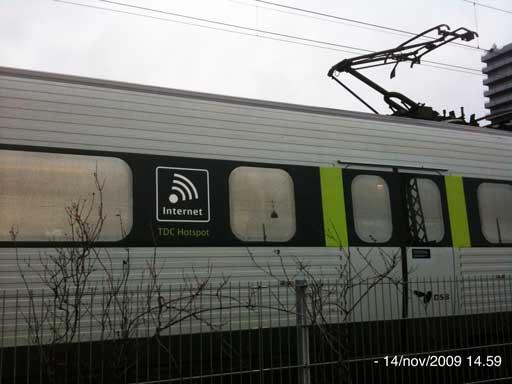Treno danese di pensoldari con connessione wi-fi gratuita