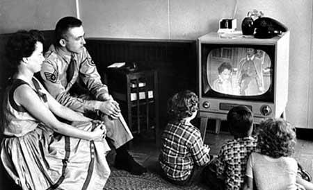 """""""Qui non è il passato della tv contro il futuro di internet –dice Confalonieri- e questa è una lettura in malafede""""."""