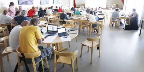 a scuola con il tablet in Svezia