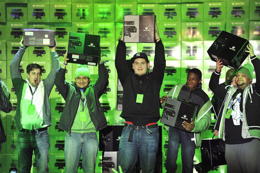 Xbox-One-Launch_First-Consoles