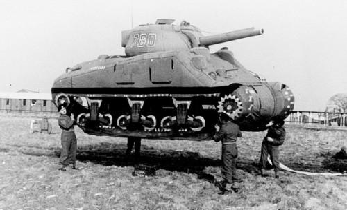 Carro armato M4 Sherman di plastica gonfiata ad aria