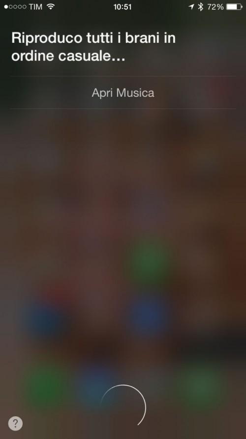 Oppure chiedere a Siri